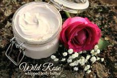 This luscious body butter is so rich, so moisturizing… it has quickly become a new favorite of mine! I adapted it from the wonderful whipped body butter recipe Diy Natural Beauty Recipes, Homemade Beauty, Diy Beauty, Beauty Ideas, Beauty Tips, Fresh Rose Petals, Chocolate Roses, Rosehip Seed Oil, Whipped Body Butter
