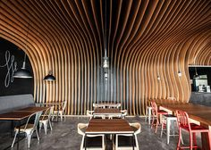 design modern cafe 2 Wavy Timber Slats Delivering a Cave Like Feel: New Six Degrees Cafe in Jakarta Design Moderne, Cafe Design, Wood Slat Ceiling, Porch Wood, Timber Slats, Plafond Design, Cozy Cafe, Cafe Interior, Ceiling Design
