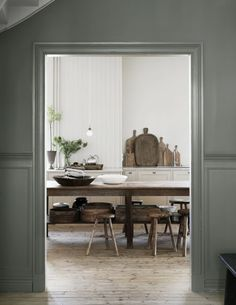 The beautiful house in Goteborg of the owners of Artilleriet - Home Design & Interior Ideas Kitchen Interior, Kitchen Design, Modern Interior, Bathroom Interior, Decoracion Vintage Chic, Mad About The House, Beautiful Villas, Cuisines Design, Deco Design