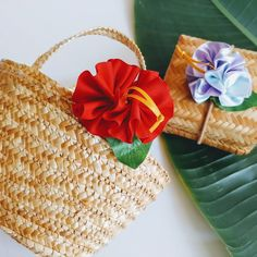 As a bag accessories. Ribbon Lei, Ribbon Flower, Hawaiian Party Favors, Ponytail Holders, Girls Accessories, Ukulele, Colorful Flowers, Hibiscus, Bows