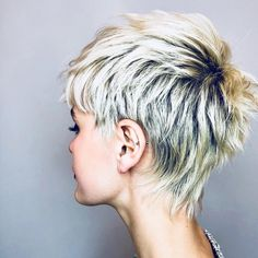 3 368 mentions J'aime, 56 commentaires - Global Hair Community ( on Inst . - Hair & Make-up & Nails oh my - Cheveux Short Hair Undercut, Undercut Hairstyles, Pixie Hairstyles, Pixie Haircut, Cool Hairstyles, Thin Hair Cuts, Short Hair Cuts For Women, Global Hair, Girls Short Haircuts