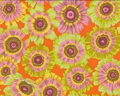 """Patchworkstoff """"Painted Daisy"""", gemalte Chrysanthemen, hellgrün-orange"""