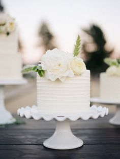 Country Wedding Cakes White, single tier wedding cake - Elegant same-sex California ranch wedding at Limoneria Ranch with a gold, light blue, and cream color palette. Types Of Wedding Cakes, Small Wedding Cakes, Floral Wedding Cakes, White Wedding Cakes, Elegant Wedding Cakes, Elegant Cakes, Wedding Cake Designs, Cake Wedding, Wedding White