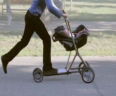 Curler Buggy: Child Carriage Transformable right into a Scooter It's time to make parenting enjoyable once more! The Curler Buggy is a multi-functional child carriage transformable right into a scooter. Via a easy . Funny Inventions, Creative Inventions, Awesome Inventions, Crazy Inventions, Inventions Sympas, Ideas Para Inventos, Baby Gadgets, Baby Carriage, Cool Baby Stuff