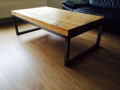 Salon table. Industrial look. € 250,-