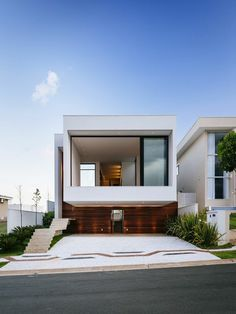 jolie masion blanche avec architecture minimaliste