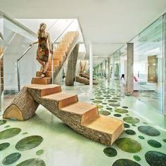 This Single Log Staircase is Astounding, but Look at the Floors