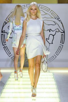 Photo 8 from Versace