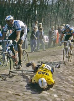 "KAS rider Alfred Achermann crashes heavily and retires from the race on the Paris-Roubaix cobbles, in the Arenberg Forest. edition of the ""Queen of the classics"", Sunday, April Paris Roubaix, Cycling Art, Cycling Jerseys, Cycling Bikes, Anjou Velo Vintage, Retro Bike, Vintage Cycles, Bicycle Race, Bike Style"