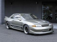 VeilSide Nissan Skyline GT-S (R32)