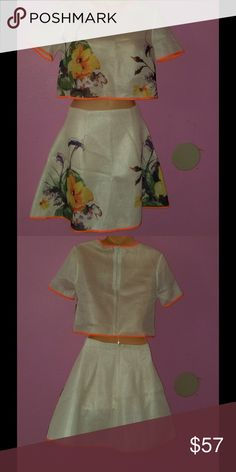 Blouse and skirt 2 pieces in floral, the price is negotiable. Dresses Mini