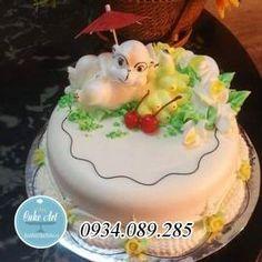 Bánh kem nghệ thuật 3D nặn thú nổi con khỉ quả chuối đang cầm ô