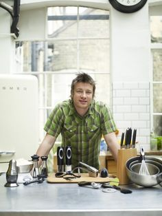 Jamie Oliver Cookware - Kitchenware Range of a Culinary Pro Jamie Oliver Pizza, Jamie Oliver Kitchen, Stainless Steel Dishwasher, Brushed Stainless Steel, Creamy Mash, Kitchen Confidential, In Season Produce, Sweet Potato Casserole, Books
