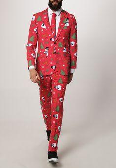 Hvad har du på af tøj til juleaften? Læs med her hvad jeg mener, man bør iklæde sig, når den står på fejring af årets største helligdag!