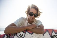 Dragon Alliance Global Surf Team Evan Geiselman has been recognized as one of the best young surfers in the world, continuing to earn icon status in the sport. Innovative, stylish, and a favorite amongst the youth generation. Motocross Riders, Jamie Lynn, Surfers, Snowboarding, Athletes, Youth, Dragon, Stylish, Sports