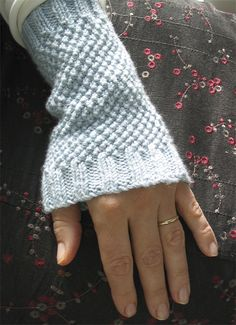 Wristwarmers - free pattern from Little Cotton Rabbits.  Julie is so talented and has a lovely blog!