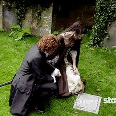 Outlander Season 2 (gif) heartbreaking..
