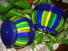 Macetas Bomba Rayadas   Diámetro de boca: 14cm ($190), 16cm ($210), 19cm ($270) y 23cm ($310)
