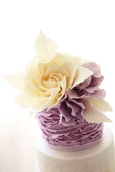 Bella Cupcakes  #Indy #Wedding Get more inspiration from our pinterest boards or www.indyweddingideas.com
