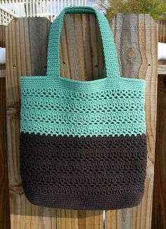 Pretty Lacy V Tote: free pattern