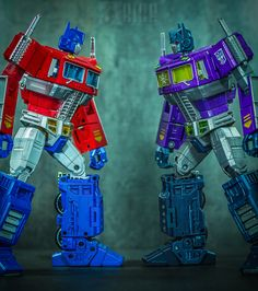 Transformers Masterpiece Shattered Glass Optimus Prime with Masterpiece Optimus Prime