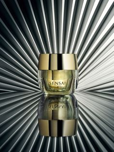 Sensai Ultimate cream. London-based still life photographer Chris Turner #cosmetics #stillifephotography #luxurybeauty
