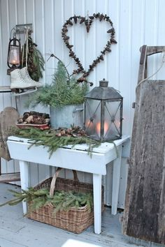 Maybe a porch decor idea for winter by angelica