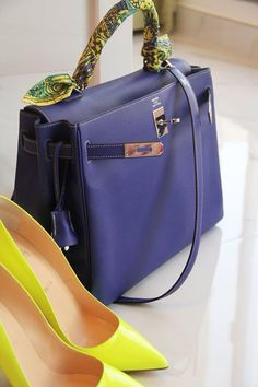 Good morning! Cobalt blue Hermes Kelly and neon yellow Louboutin ! Let's make a good weekend!