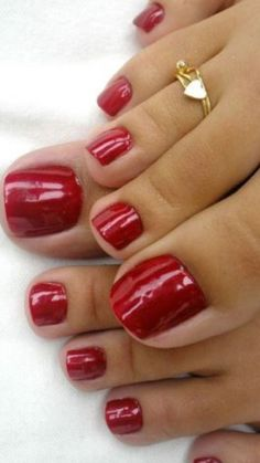 only feet toes sexy women with rings somente pés femininos de mulheress sexy com aneis Pretty Toe Nails, Cute Toe Nails, Pretty Toes, Toe Nail Art, Red Toenails, Nice Toes, Toe Polish, Painted Toes, Manicure Y Pedicure