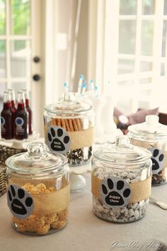 Puppy chow, Cute ideas fro a dog/ puppy party. Cute for kids birthday or dog shelter fund raiser, Dog Themed Parties, Puppy Birthday Parties, Birthday Treats, Dog Birthday, Birthday Party Themes, Dog Parties, Party For Dogs, Dog Themed Food, Parties Food