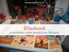 Tijdens onze themaweek over wind hebben we lintvliegers gemaakt, boekjes gelezen, windknutsels gemaakt en een mindmap over wind. #blogfeestje #herfst www.mizflurry.nl