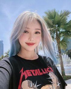 New hair color for fair skin asian Ideas Hair Color For Fair Skin, New Hair Colors, Brown Ombre Hair, Ombre Hair Color, Korean Beauty, Asian Beauty, Korean Girl, Asian Girl, Pony Makeup