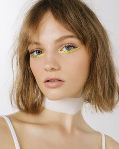 yellow eyeliner looks ; yellow eyeliner makeup looks ; Makeup Brands, Best Makeup Products, Makeup Tips, Hair Makeup, Makeup Ideas, Makeup Salon, Makeup Studio, Sfx Makeup, Models Makeup