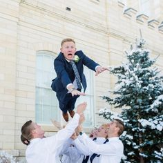 These groomsmen are nailing it | Kailey Rae Photography