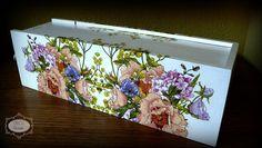 DECU World: Kwiatowa skrzynka na wino