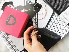 Schitter, met de betaalbare design sieraden van LOISIR 😍. Vind jouw smaak op www.aperfectgift.nl . . .   #sieraden #jewelry #armcandy #girls #girly #inspo #armbanden #armband #armbandjes #ring #oorbellen #oorbel #oorring #fashionista #fashion #mode #modieus #design #musthave #loisir #womensfashion #cute #sieradenwinkel #boho #trendy #armcandy #armparty #musthave #musthaves Louis Vuitton Twist, Girly, Shoulder Bag, Boho, Jewelry, Design, Fashion, Hobbies, Wristlets