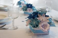 Tischdeko 3 große Bouquets plus Streudeko edel  von Papier Träume auf DaWanda.com