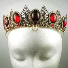 Anne Boleyn diadema de piedras preciosas.