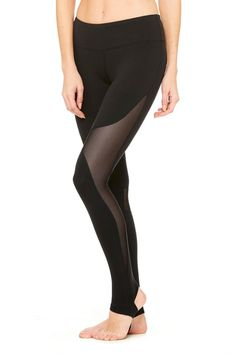 <p>Yogi toes. The Coast Legging offers secure coverage with stirrup foot detail, smooth seams and contemporary mesh blocking at side of leg and knee area. Twists and inversions don't stand a chance against it.</p>
