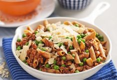 This classic beef penne pasta is sure to please the entire family with hearty meat and savoury vegetables. Beef Pasta, Penne Pasta, Penne Recipes, Beef Recipes, Bar Refrigerator, Budget Meals, Fried Rice, Italian Recipes, Nutella