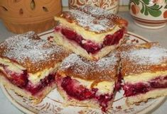 Krémes-szilvás pite Hungarian Desserts, Hungarian Recipes, Cookie Recipes, Dessert Recipes, Delicious Desserts, Yummy Food, Czech Recipes, Baking And Pastry, Summer Desserts