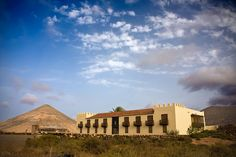 - La casa de los Coroneles III- Fuerteventura Go to Fuerteventura to stumble on a pristine coastline with emerald green…