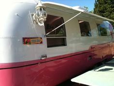 1967 Airstream Vintage   Love the interior, so girls, have t o do this in my house!