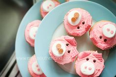 pig cupcakes!
