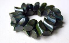 Marbled bakelite dark green spinach stretch bracelet by Oselavy