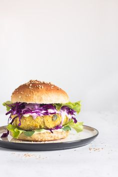 Click if you want to find out how to make homemade whole wheat hamburger buns and delicious healthy vegan chickpeas burgers!