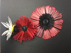 Paper Quilled Poppies and Bee_By Lauren Byrne_PickerElite
