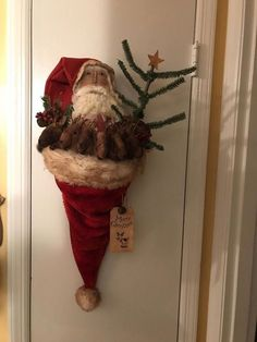 53 Amazing Primitive Country Christmas Trees Ideas To Copy Right Now – Outdoor Christmas Lights House Decorations Primitive Christmas Decorating, Primitive Country Christmas, Country Christmas Trees, Pallet Christmas Tree, Christmas Mantels, Christmas Snowman, Christmas Home, Vintage Christmas, Christmas Wreaths