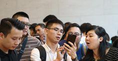 Журналист Игорь Мальцев — о том, как новый смартфон от Apple запрещают в стране, где его почти никто не может себе позволить.