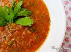 Sopa de Tomate é perfeita para ser o seu jantar durante a semana. Clique na…